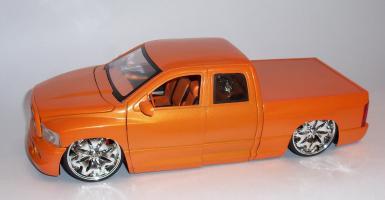 Прикрепленное изображение: Додж рам оранж (10).JPG