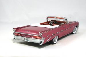 Прикрепленное изображение: 1959 Pontiac Bonneville (2).JPG