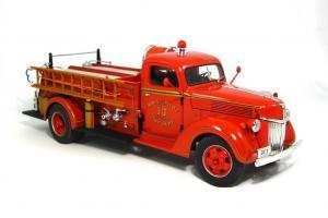 Прикрепленное изображение: 1940 Ford Fire Truck (7).JPG