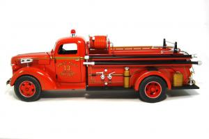 Прикрепленное изображение: 1940 Ford Fire Truck (3).JPG