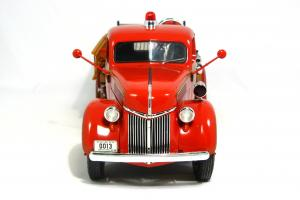 Прикрепленное изображение: 1940 Ford Fire Truck (4).JPG