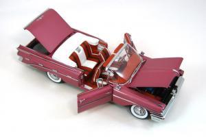 Прикрепленное изображение: 1959 Pontiac Bonneville (6).JPG