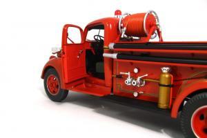 Прикрепленное изображение: 1940 Ford Fire Truck (9).JPG
