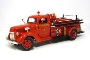 Прикрепленное изображение: 1940 Ford Fire Truck (1).JPG