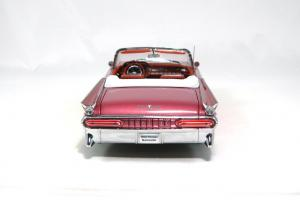 Прикрепленное изображение: 1959 Pontiac Bonneville (5).JPG