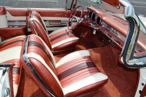 Прикрепленное изображение: 1959 Pontiac Bonneville (23).jpg