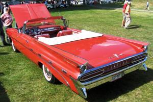 Прикрепленное изображение: 1959 Pontiac Bonneville (22).jpg
