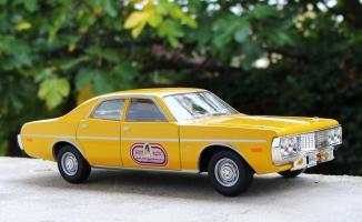 Прикрепленное изображение: DODGE Coronet Custom 4-doors sedan Taxi de Beyrouth 1973.jpg