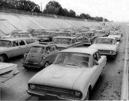 Прикрепленное изображение: BMW 1962.jpg