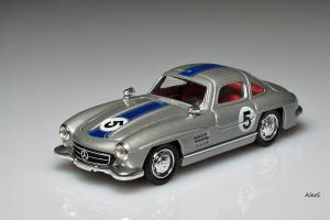 Прикрепленное изображение: Mercedes-Benz W198 300 SL Gullwing #5 Solido 4502.jpg