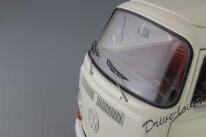 Прикрепленное изображение: Volkswagen T2a Bus Schuco 450019000_09.jpg