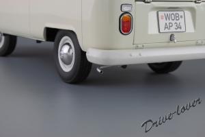 Прикрепленное изображение: Volkswagen T2a Bus Schuco 450019000_11.jpg