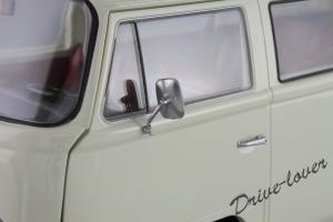 Прикрепленное изображение: Volkswagen T2a Bus Schuco 450019000_15.jpg