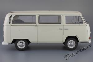 Прикрепленное изображение: Volkswagen T2a Bus Schuco 450019000_04.jpg