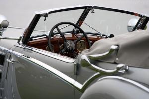 Прикрепленное изображение: Horch-853-Voll-and-Ruhrbeck-Sport-Cabriolet-11.jpg