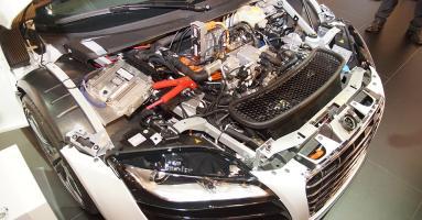 Прикрепленное изображение: Audi-F12-e-Performance-3.jpg