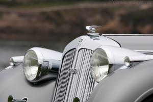Прикрепленное изображение: Horch-853-Voll-and-Ruhrbeck-Sport-Cabriolet-8.jpg