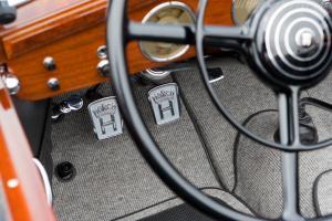 Прикрепленное изображение: Horch-853-Voll-and-Ruhrbeck-Sport-Cabriolet-14.jpg