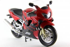Прикрепленное изображение: Honda CBR 600F4 (2).JPG