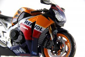 Прикрепленное изображение: Honda CBR 1000RR Repsol (6).JPG