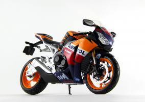Прикрепленное изображение: Honda CBR 1000RR Repsol (2).JPG