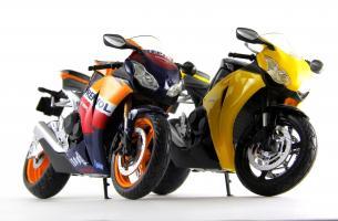 Прикрепленное изображение: Honda CBR 1000RR Repsol (8).JPG
