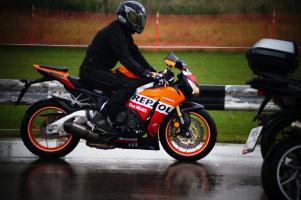 Прикрепленное изображение: Honda CBR 1000 RR (5).JPG