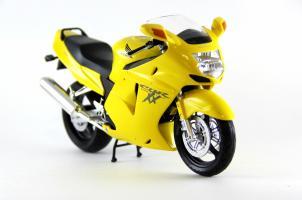 Прикрепленное изображение: Honda CBR 1100XX Super Blackbird (11).JPG