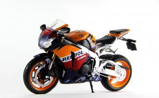 Прикрепленное изображение: Honda CBR 1000RR Repsol (1).JPG