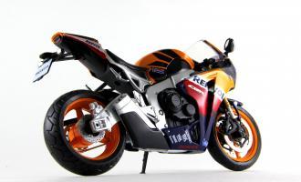 Прикрепленное изображение: Honda CBR 1000RR Repsol (4).JPG