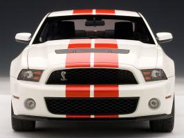 Прикрепленное изображение: 1-18-AUTOart-Ford-Mustang-Shelby-Cobra-GT500-2010-alloy-model-white-and-red.jpg