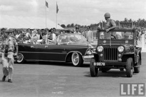 Прикрепленное изображение: 1959 Khrushchev Imperial 01.jpg
