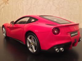 Прикрепленное изображение: 2012 Ferrari F12 Berlinetta 3.jpg