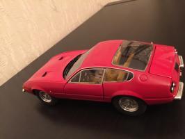 Прикрепленное изображение: 1968 Ferrari 365 GTB4 2.jpg