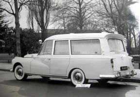 Прикрепленное изображение: Mercedes-Benz 300D (W189) Visser Ambulance VZA Dora.jpg