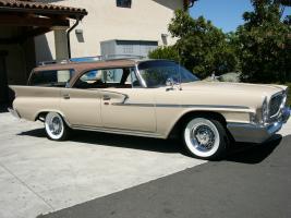 Прикрепленное изображение: chrysler newport wagon 1961.jpg