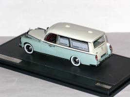 Прикрепленное изображение: Mercedes-Benz 300D  Visser Ambulance VZA Dora 008.JPG