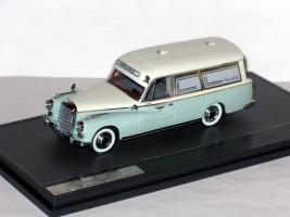 Прикрепленное изображение: Mercedes-Benz 300D  Visser Ambulance VZA Dora 007.JPG