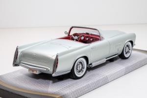 Прикрепленное изображение: 1955 Chrysler Ghia Falcon 4.jpg