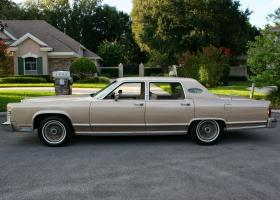 Прикрепленное изображение: 1978 Lincoln Town Car WILLIAMSBURG SPECIAL EDITION24.jpg