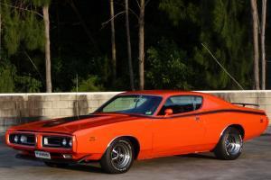 Прикрепленное изображение: 1971-dodge-charger-super-bee-coupe-lhd.jpg