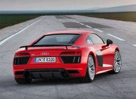 Прикрепленное изображение: Audi-R8-V10-plus-2015-2016-back-1.jpg