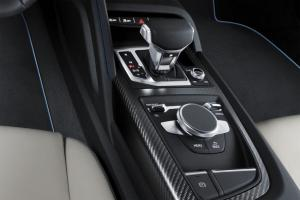 Прикрепленное изображение: Audi-R8-V10-2015-2016-salon-1.jpg