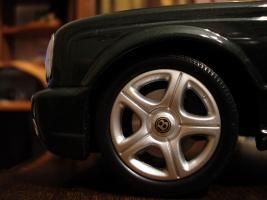 Прикрепленное изображение: Bentley Arnage T 2002 by Minichamps_6.jpg