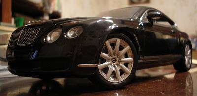 Прикрепленное изображение: Bentley Continental GT by Minichamps_1.JPG