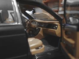 Прикрепленное изображение: Bentley Arnage T 2002 by Minichamps_5.jpg