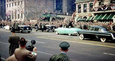 Прикрепленное изображение: Cadillac Эйзенхауэр 1953.jpg