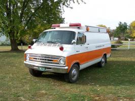 Прикрепленное изображение: Dodge Horton Ambulance 1973...jpg