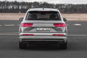 Прикрепленное изображение: Audi-SQ7-TDI-2016-2017-3-min.jpg