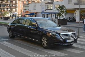 Прикрепленное изображение: 15481e0671e38834-the-new-mercedes-maybach-pullman-high-end-luxury-class-motor-vehicle.jpg